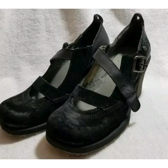c0a00e2f910 London Underground black Mary Jane Clunky Heel